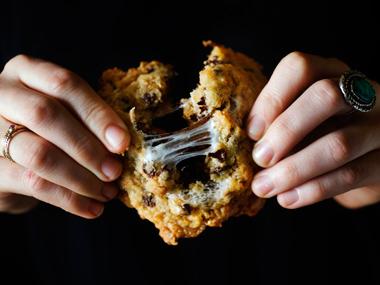 Momofuku-milk-bar-cookies-102611-ew-380